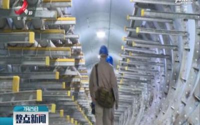 【福建福州】高温下的劳动者:地下电缆的守护者