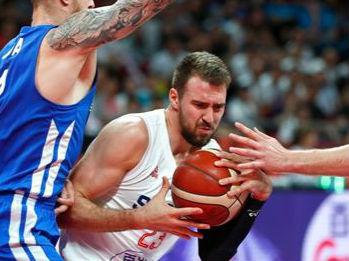 排位赛:美国第七创历史最差 塞尔维亚逆转捷克获第五