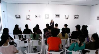 90后景漂摄影展在景德镇市三宝蓬光影展厅开幕