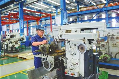 赶订单 抓生产 海洋装备产业园助力工业化发展