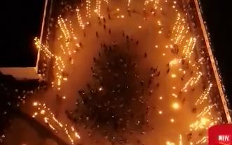 赣州:竹篙火龙舞起来 独特民俗让游客流连忘返