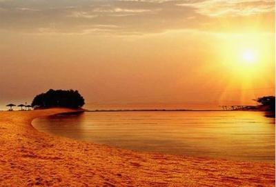 原以为夏天是湖岛最好玩的时候,没想到入了秋的庐山西海更美!
