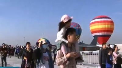 南昌飞行大会:10万人次观看表演 文明是第二道风景