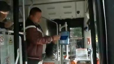 九江:坐公交没带零钱不用慌!