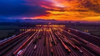全国铁路实行新运行图 南铁新增车次大幅提升
