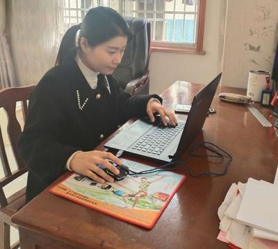 """萍乡开发区:线上教学里的别样""""战士"""""""