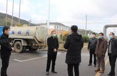 莲花县委副书记、县长曾国祥督导检查企业复工复产和疫情防控工作