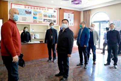 李锦林深入辖区学校督导高三初三复学情况及疫情防控工作