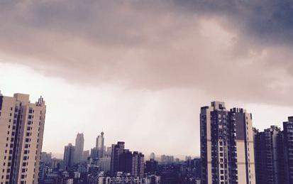 南昌10日晚雷雨携大风登场 市民请关好门窗