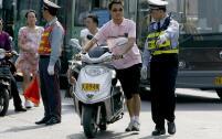 九江:驾车就得有证 摩托车驾驶证如何申领?
