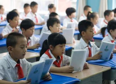 江西中小学生今起返校:低风险地区校园内学生不需佩戴口罩