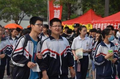 武汉中考一线医务人员子女加10分 8月1日公布成绩