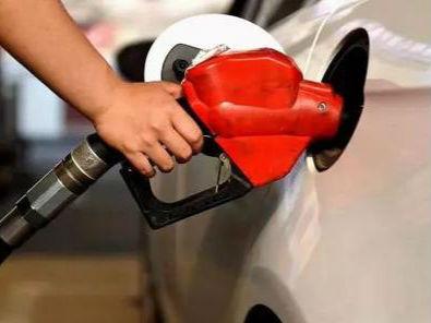 国内成品油零售价格下探 多地加油站降价优惠忙促销