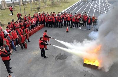 """景德镇市机关事务管理局组织开展 """"一警六员""""消防培训考核"""