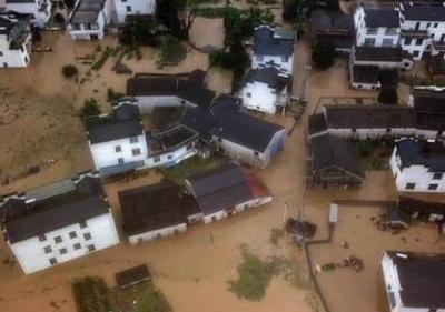 国家防总工作组抵赣 17000件防汛救灾物资支援江西