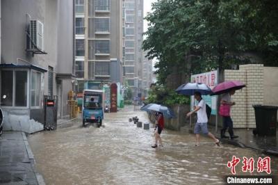 江西瑞昌出现局部短时强降雨天气
