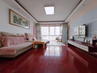 黄岛刚需上车神盘,业主贱卖昆仑山庄(北区)三居室,每平仅1.5万,首付仅77万!