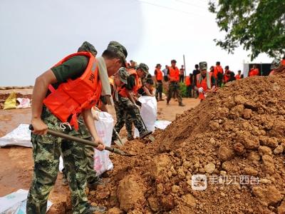 江西出动18.27万人抗洪抢险  共转移73663人