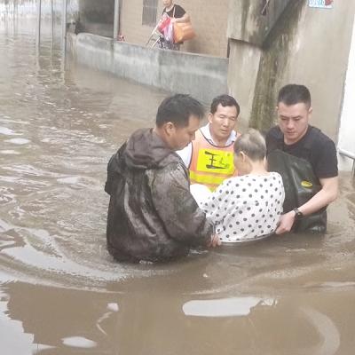 """萍乡八一街:闻""""汛""""即动 逆行迎战(图)"""