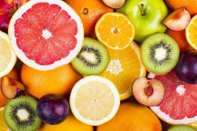 夏日水果别贪吃!看看水果的正确打开方式