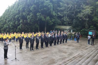 井冈山举行向人民英雄敬献花篮仪式