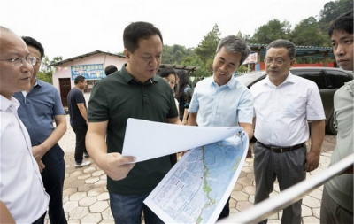 犹 王莹:努力将仰天岗游步道建设成为提升城市功能与品质的民心工程