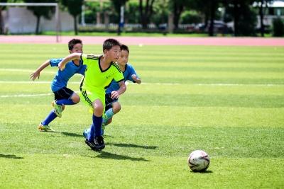 七部门:到2022年参加足球运动中小学生超3000万