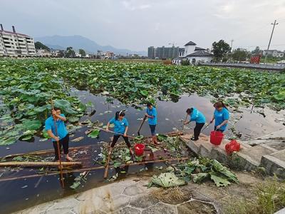 萍乡上埠镇:志愿服务做表率 爱心牵手感人心