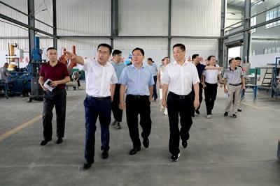 萍乡经开区党工委书记李锦林一行现场调度重点项目建设