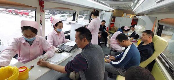 鹰潭市贵溪市第一中学组织开展无偿献血活动