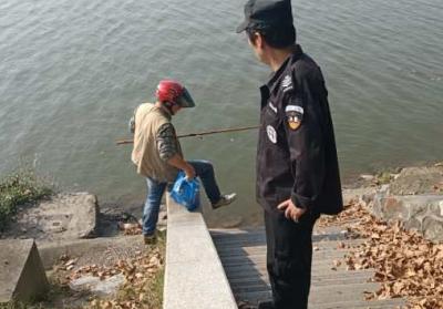 @九江市民:甘棠湖和南门湖禁止垂钓 莫让钓鱼行为煞风景