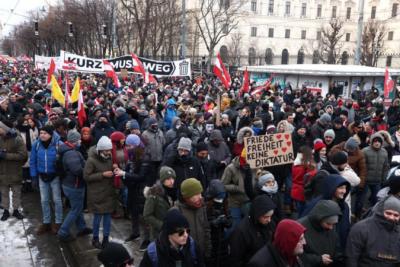 """今日疫情汇总:美国疫苗接种被斥国家骗局,维也纳万人示威""""让流感再次伟大"""""""