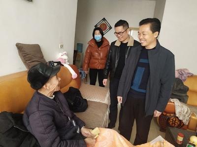萍乡社会工作管理三局节前慰问暖人心