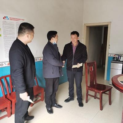 萍乡社会工作管理三局党委、帮扶干部走访慰问帮扶脱贫户