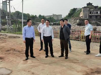 萍乡安源区委副书记邱伟带队到八一街开展巡河工作