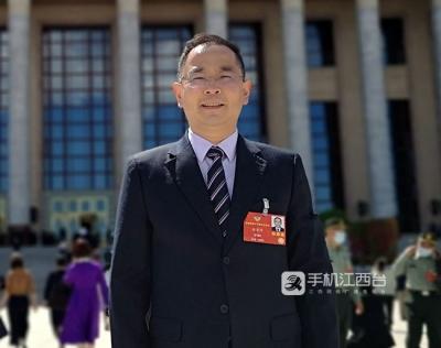 全国政协委员徐景坤:建议发垃圾短信要重罚