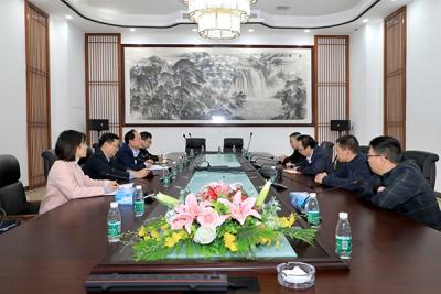 萍乡市委网信办主任刘晓峰一行到经开区调研