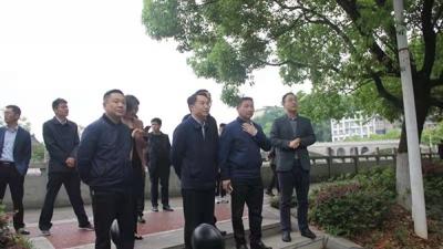 萍乡安源区委副书记、区长黎增义督导八一街环保工作