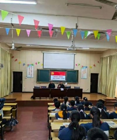 鹰潭市月湖区关工委进鹰潭三中开展专题教育活动