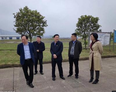 萍乡市委网信办主任刘晓峰调研八一街企业党建工作