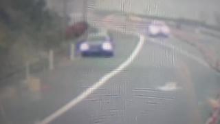 高速无证驾驶 停车换人被识破