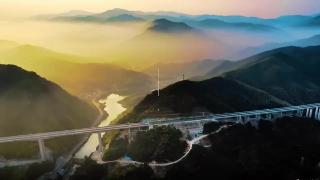 萍莲高速正式通车 莲花县城到萍乡市区仅需40分钟