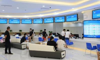 南昌市县两级政务服务大厅实现免证即办
