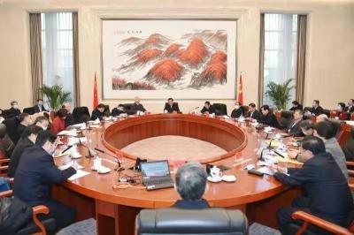 刘奇主持召开省委理论学习中心组集体学习会,专题学习党中央关于构建新发展格局的战略部署