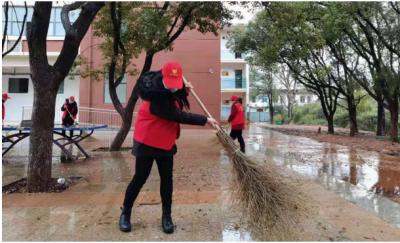 永修恒丰集团:开展清扫校园志愿服务活动
