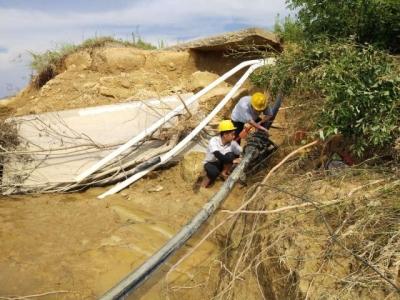 灾后重建,供水人在行动