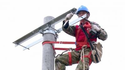 三湖:春节临近、农村电网改造忙