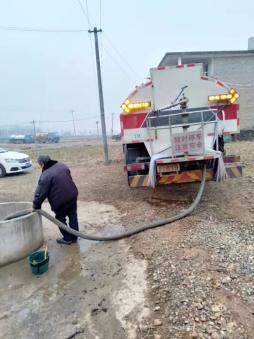送水解民忧,这个村100多名村民用水难题解决了!