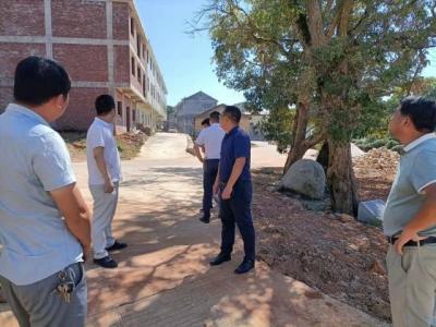 金川镇开展国庆城乡环境卫生专项整治行动