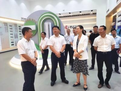 谭晓艳、涂乐率队赴于都、南康考察工业产业发展